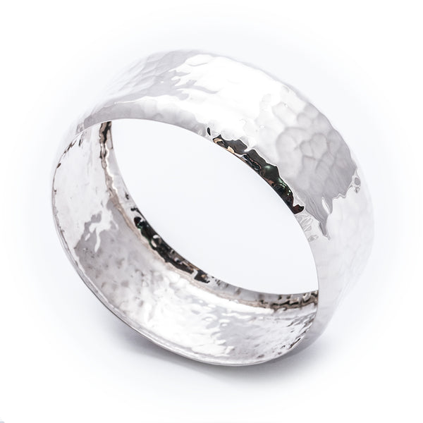 TMBB 37 LARGE HAMMERED CONVEX BANGLE