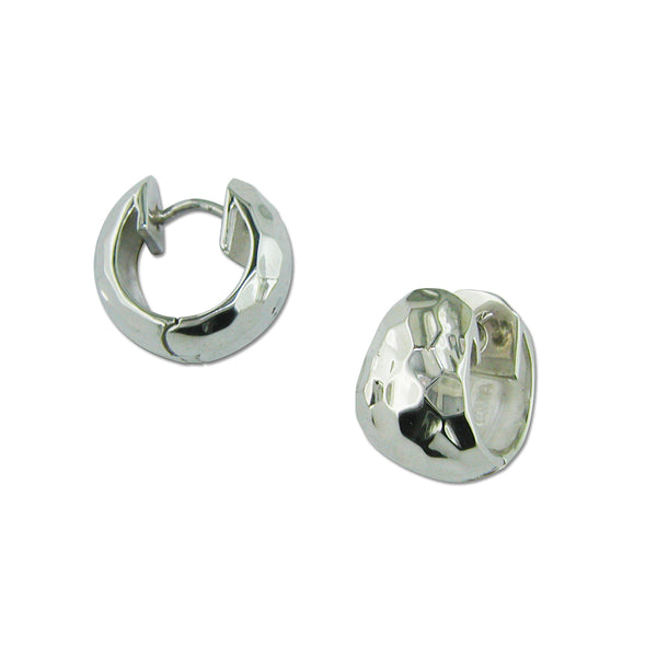 B1605 HAMMERED HUGGIE HOOPS