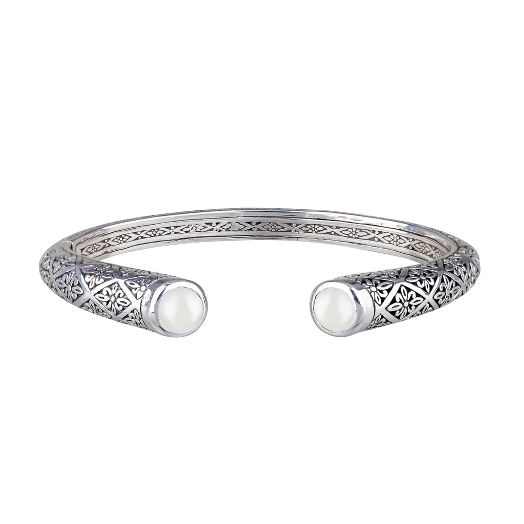 JD B64558WHT PEARL FILIGREE HINGED BRACELET