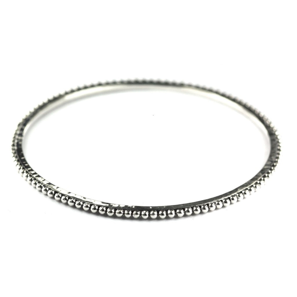 ID B925 FLAT HAMMERED BEADED BANGLE