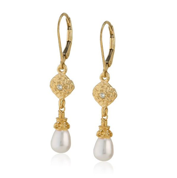 AT 813CG-WRSP WHITE SAPHIRE & PEARL EARRINGS