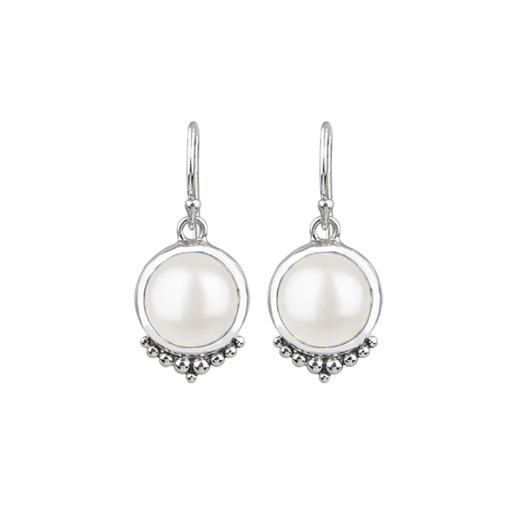 JD E64974WHT DOTTED PEARL EARRINGS