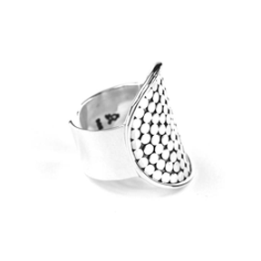 ID R125 DOTTED RING