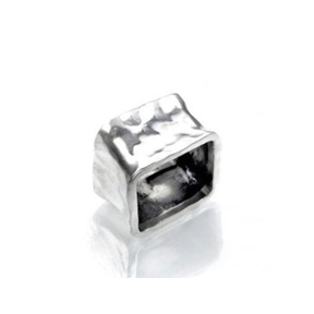 MM M8-21 SQUARE HAMMERED RING