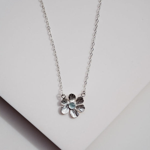 DV FPNS04 FLOWER POWER NECKLACE