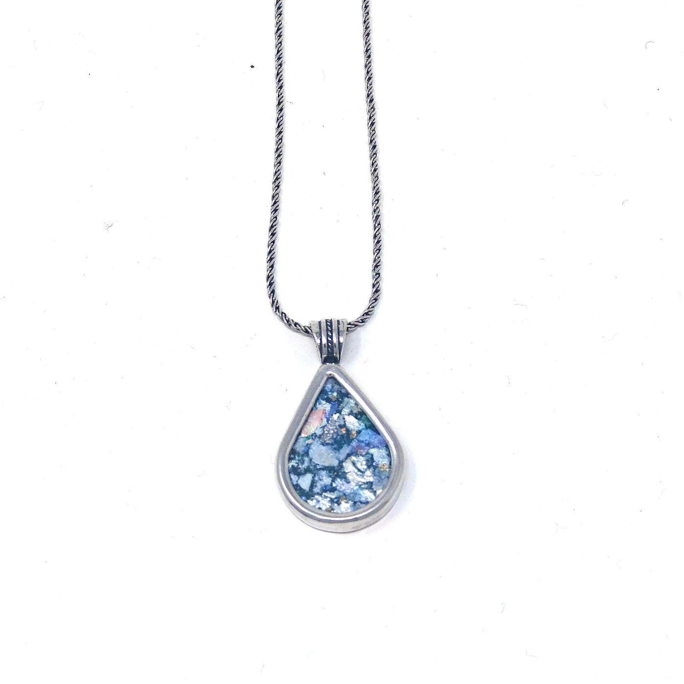 DSB P660 ROMAN TEARDROP NECKLACE