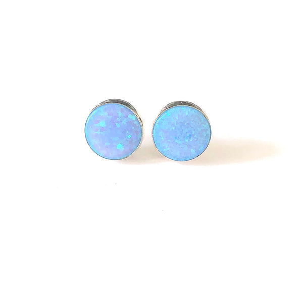 SP E411 LIGHT OPAL STUDS