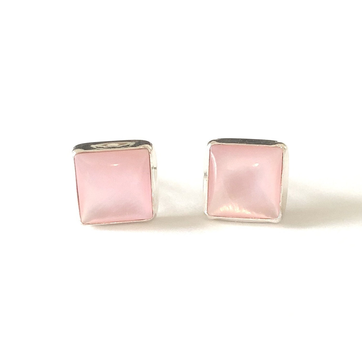 SP E531 PINK SHELL SQUARE STUDS
