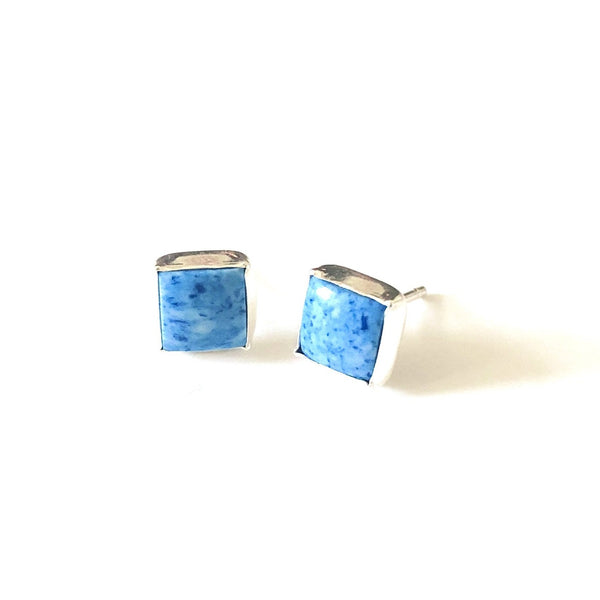 SP E172 DENIM LAPIS SQUARE STUDS