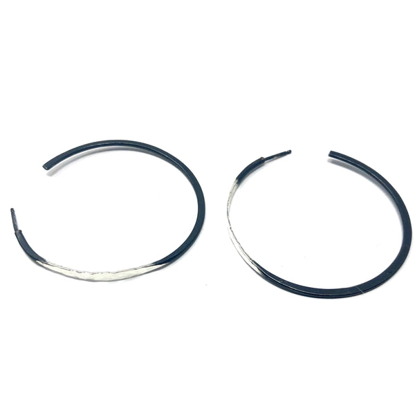 DRD E1722SOX LARGE OXIDIZED AND SILVER HOOPS
