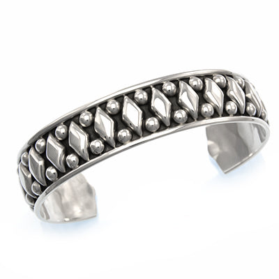 MM M4-239 OXIDIZED DIAMOND CUFF BRACELET