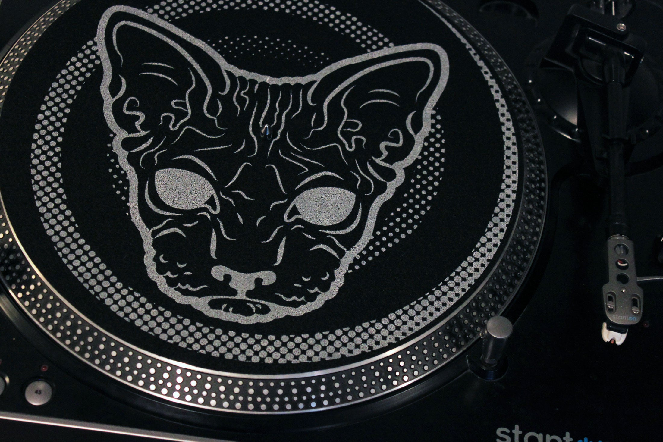 spiral black hairless sphynx cat turntable vinyl slipmat