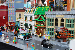 LEGO Irish Tavern and Bar Modular Building