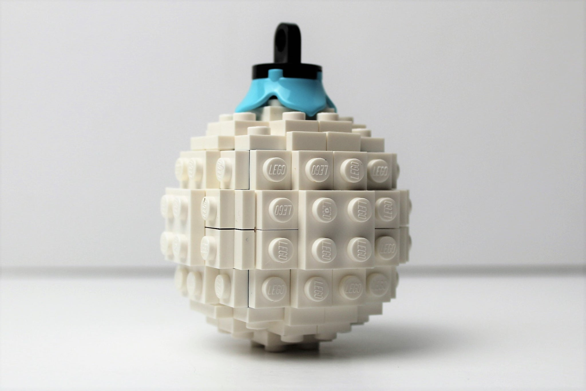 Downloadable Instructions for a Toy Brick Christmas Bauble Ornament (Sphere)