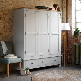 Triple Wardrobe - Woodliving