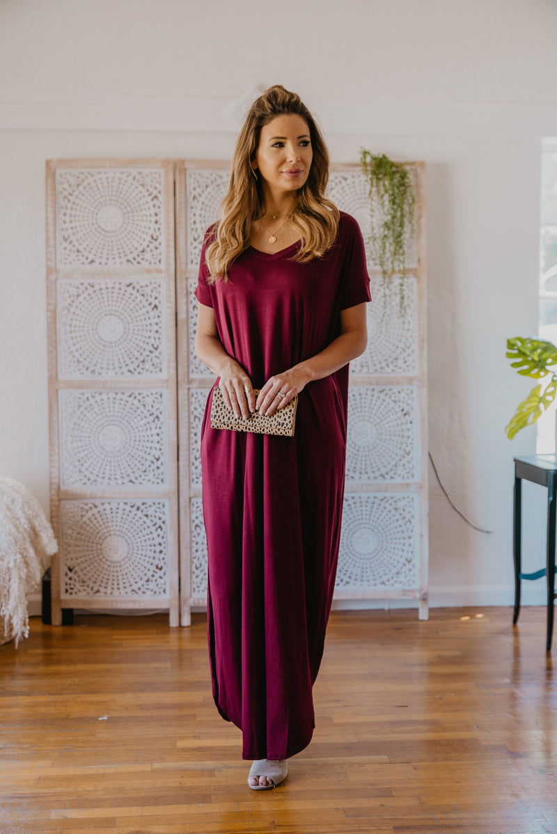 WI Basics: The Tess Solid Maxi in Wine (Size S-3X)