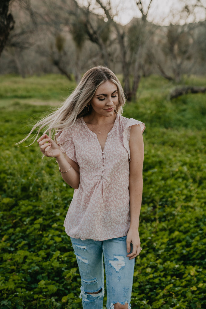 The Darby Ruffle Sleeve Top in Mauve