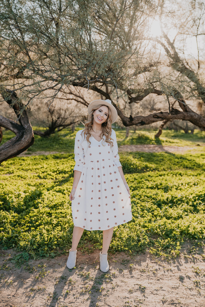 The Zoe Swiss Dot Midi in Ivory