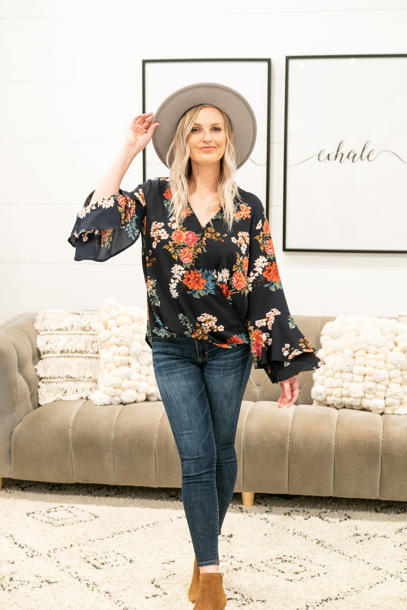 The Laylin Floral Blouse in Navy