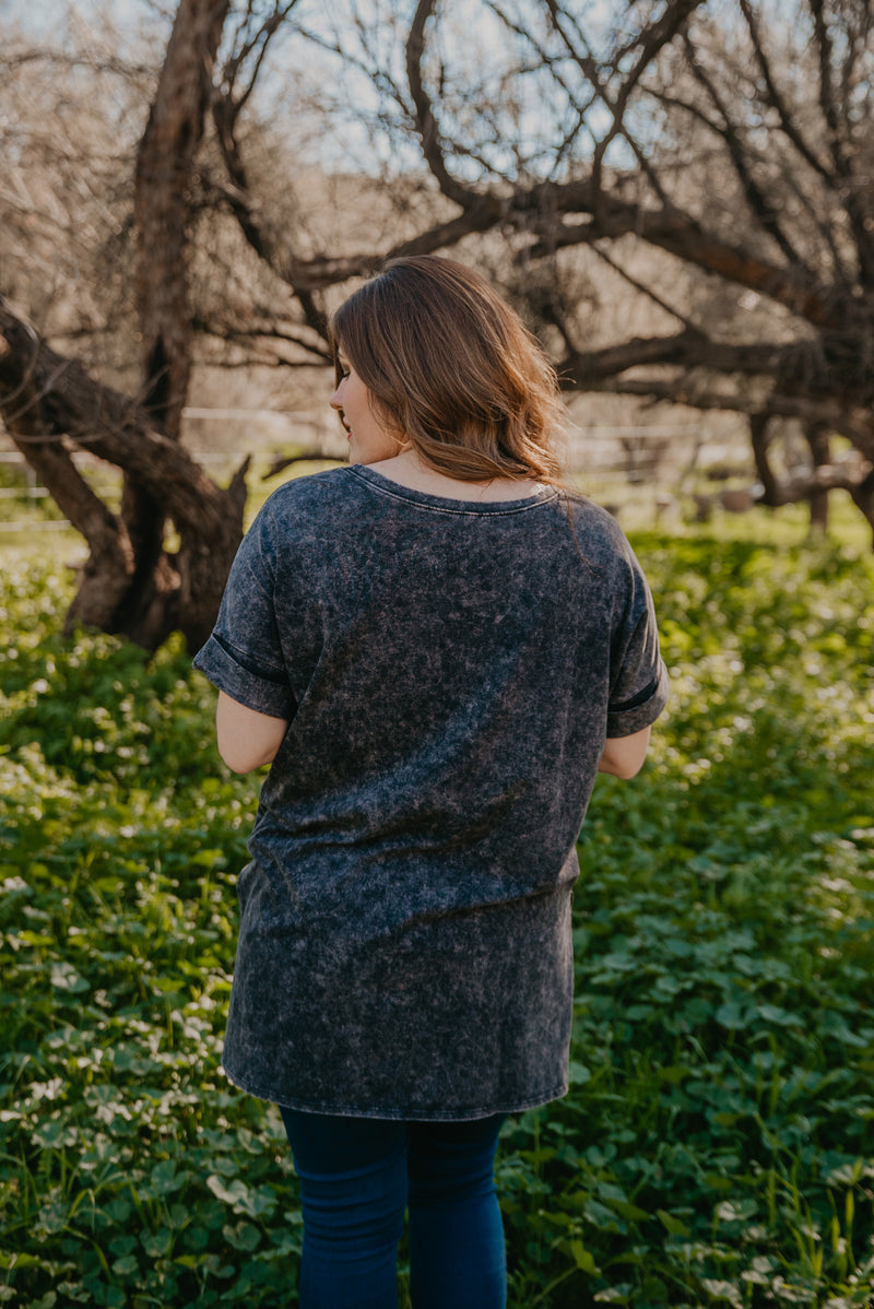 WI Basics: The Peri Mineral Wash Top in Charcoal (Sizes S-3X)