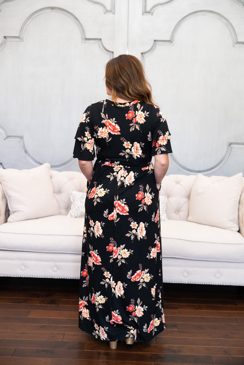 The Brynlee Floral Maxi in Black (Sizes S-3X)