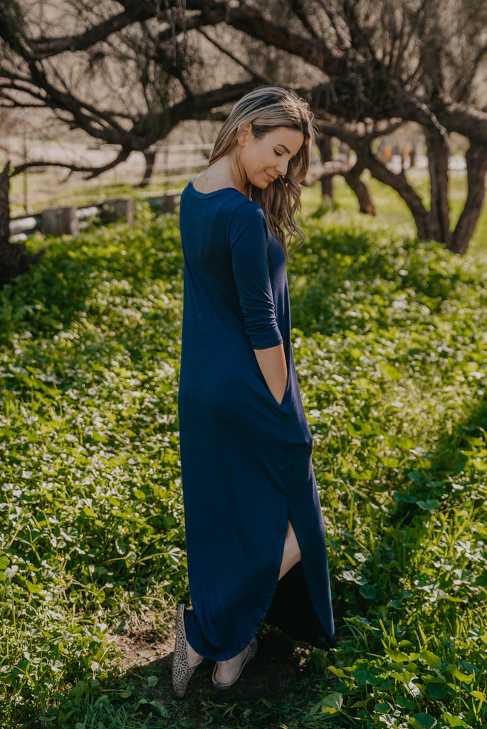 WI Basics: The Beck Maxi in Navy (Sizes S-3X)