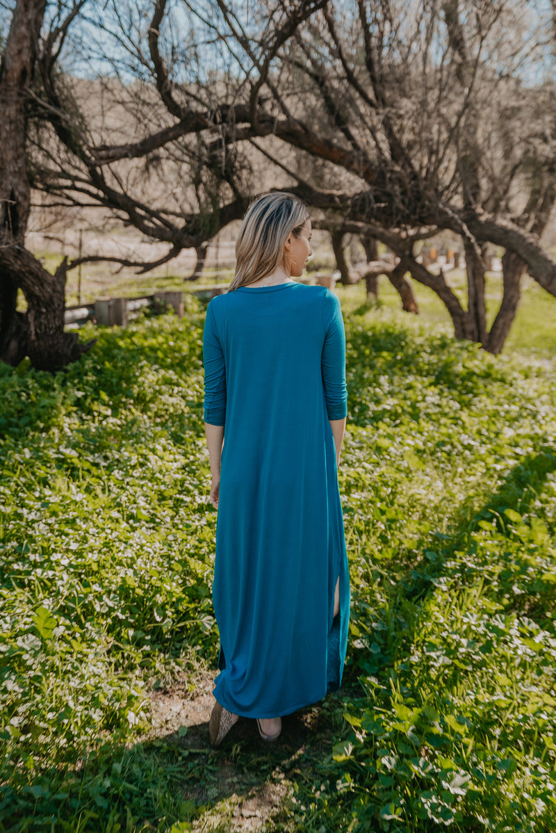 The Reese Solid Button Maxi in Wine