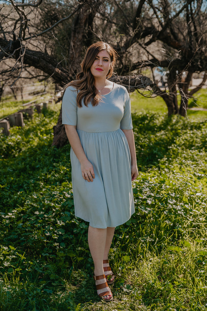 WI Basics: The Jeta Dress in Light Gray (Sizes S-3X)