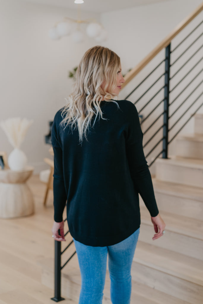 WI Basics: The Nesa Sweater in Black, long sleeve, v neck, women fashion, Wren & Ivory, Wren and Ivory, fashion top, light sweater, loose cut, soft fabric, casual comfort, Baby Bump Friendly, fall top, solid black, fall and winter top