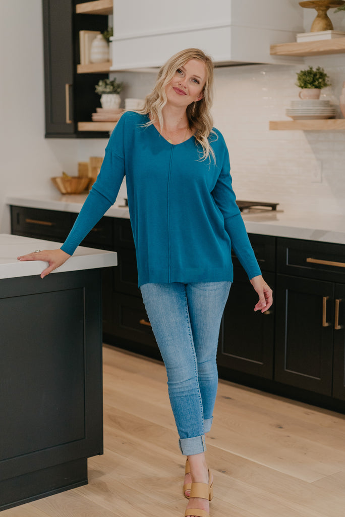 WI Basics: The Nesa Sweater in Teal, long sleeve, v neck, women fashion, Wren & Ivory, Wren and Ivory, fashion top, light sweater, loose cut, soft fabric, casual comfort, Baby Bump Friendly, fall top, teal blue solid top, fall and winter top