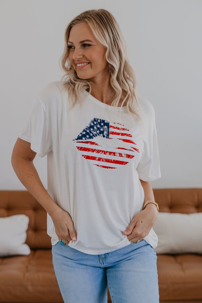 The Flag Kiss Tee in Ivory