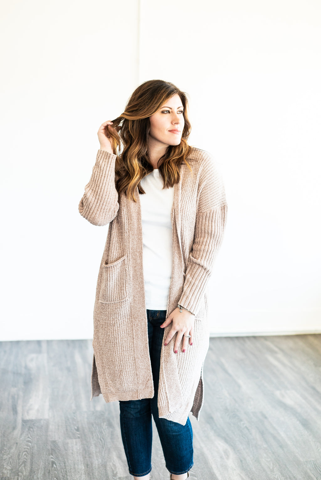 The Cleo Chenille Cardigan in Oatmeal (Plus Sizes)