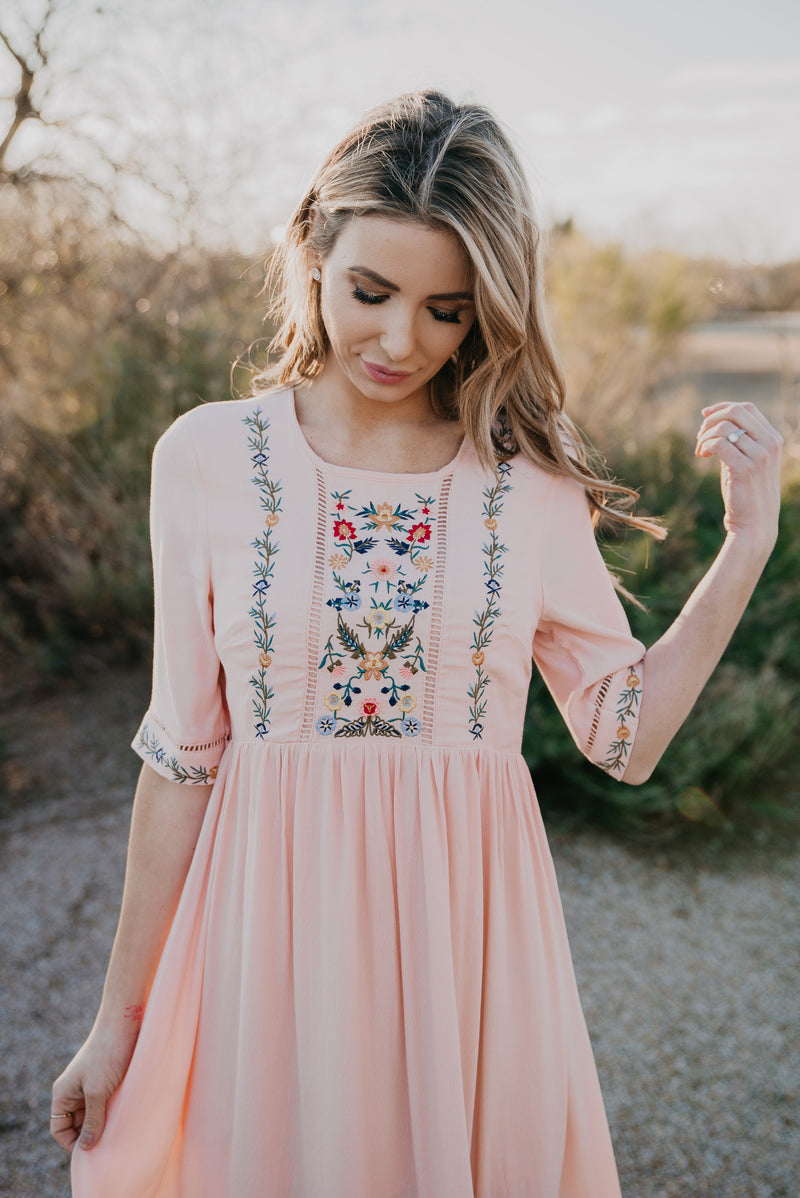 The Loreen Lace Trimmed Midi in Blush