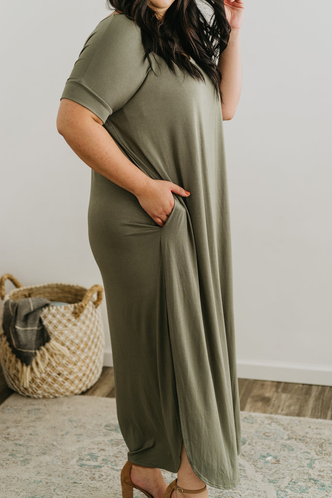 WI Basics: The Tess Solid Maxi in Olive, Wren & Ivory Basics, comfortable dress, stretchy fabric, fashion, Wren & Ivory, Wren and Ivory, short sleeves, no waist, round neckline, Baby Bump Friendly, plus sizes, olive dress, slouchy dress, side slits, long dress