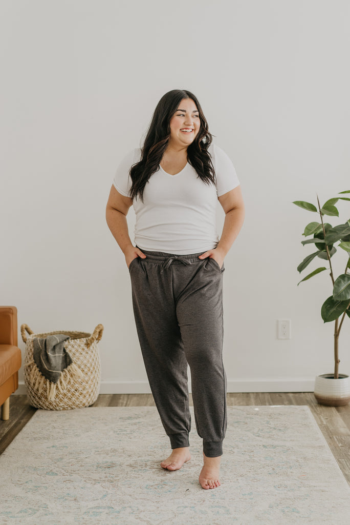 WI Basics: The Jenn Joggers in Charcoal,  charcoal gray joggers, comfy, cuffed joggers, elastic waist, pockets, soft knit joggers, Wren & Ivory, Wren and Ivory, drawstring, pockets, fall pants, lounge wear, joggers, plus sizes, extended sizing