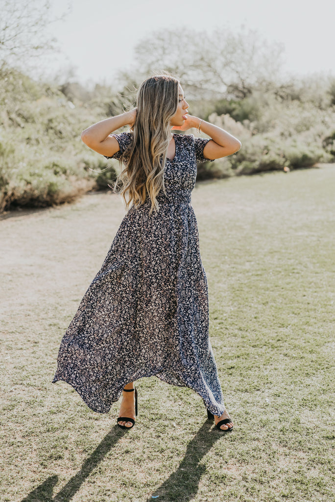 The Dansant Floral Maxi in Navy, Navy Floral Dress, Blue Dress, Floral Dress, Plus Size, Plus Size Fashion, Dress, Dresses, Plus Size Dresses, Nursing Friendly, Baby Bump Friendly, Maternity, Plus Size Maternity, Floral Dress, Buttons, Pregnancy Blogger, Mom Blog, Mom Life, Momfluencer