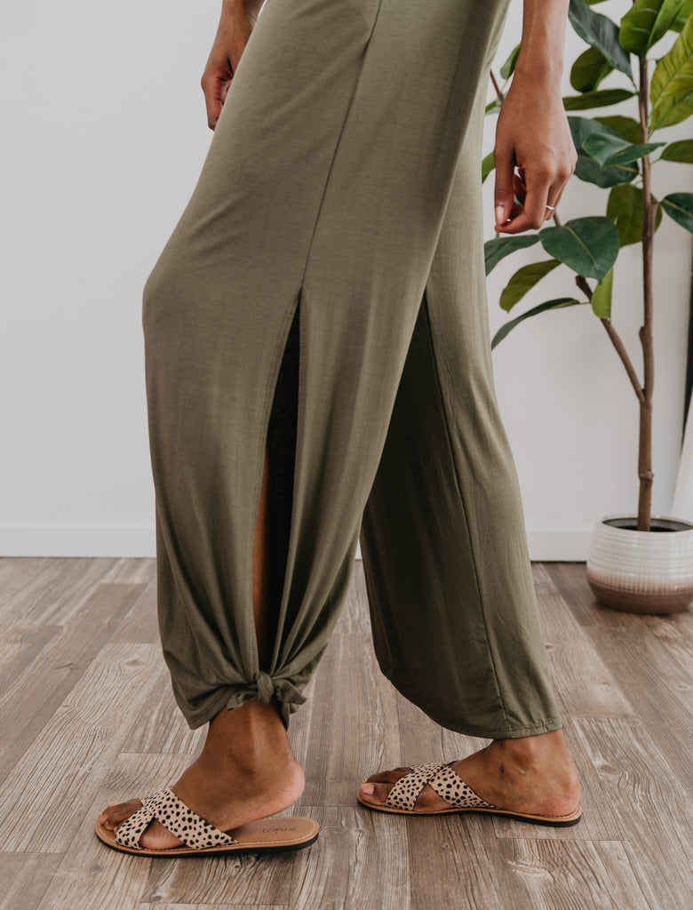 The Raelene Split Side Pant in Olive, olive knit pants, comfy, tied cuff, elastic waist, pockets, soft knit joggers, Wren & Ivory, Wren and Ivory, pockets, fall pants, lounge wear, joggers, split sides