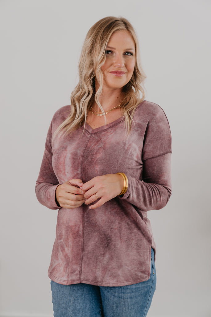The Eloise Vintage Tie Dye Top, light sweater, fashion, Wren & Ivory, Wren and Ivory, tie dye, fall and winter, long sleeves, soft and cozy, warm purple, mauve, sweater weather, Baby Bump Friendly, v neckline