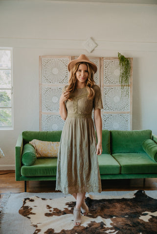 The Brynlee Solid Maxi in Light Sage (Sizes S-3X)