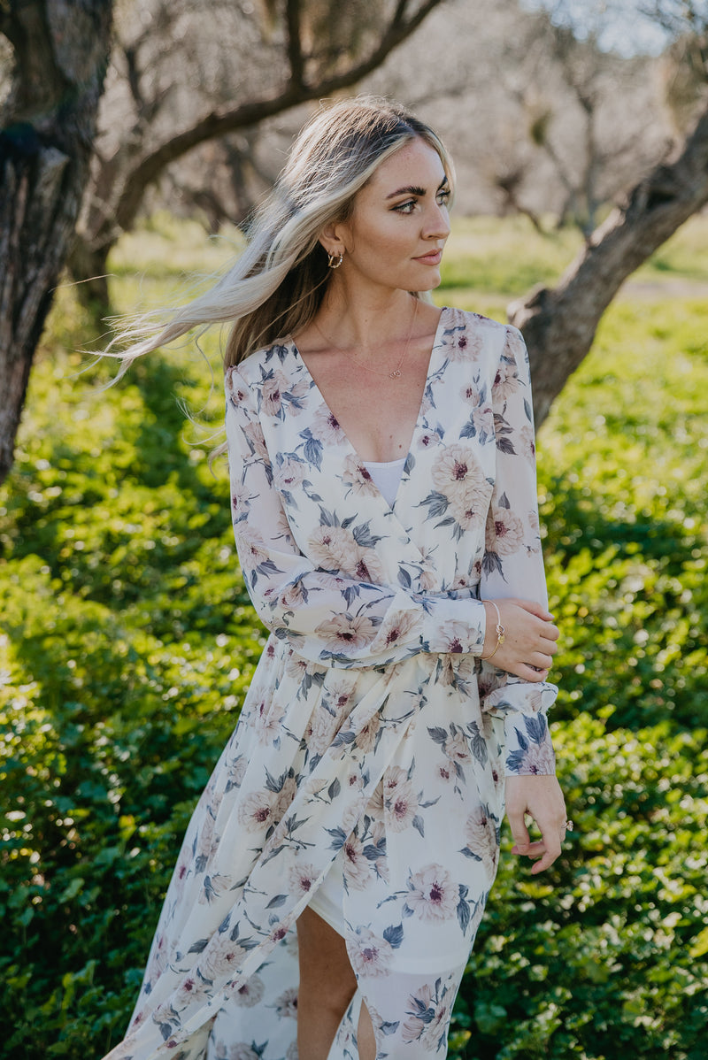 The Kamberlyn Floral Maxi in Créme