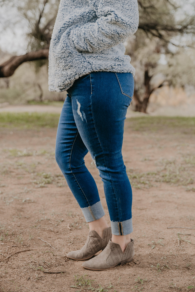 KanCan: The Rowell Distressed Skinny Jeans (Sizes XL-3X)