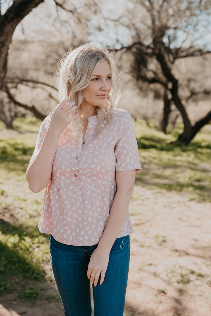 The Shelby Floral Button Top in Mauve