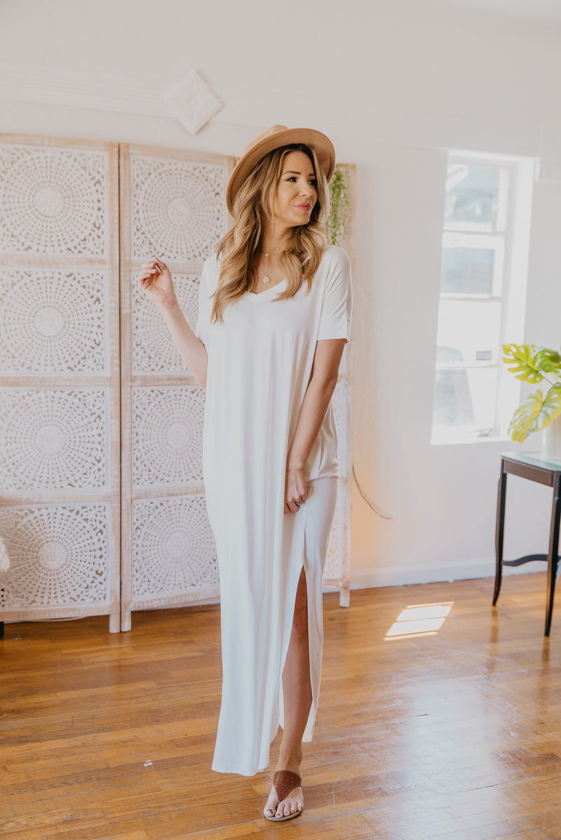 WI Basics: The Tess Solid Maxi in Ivory