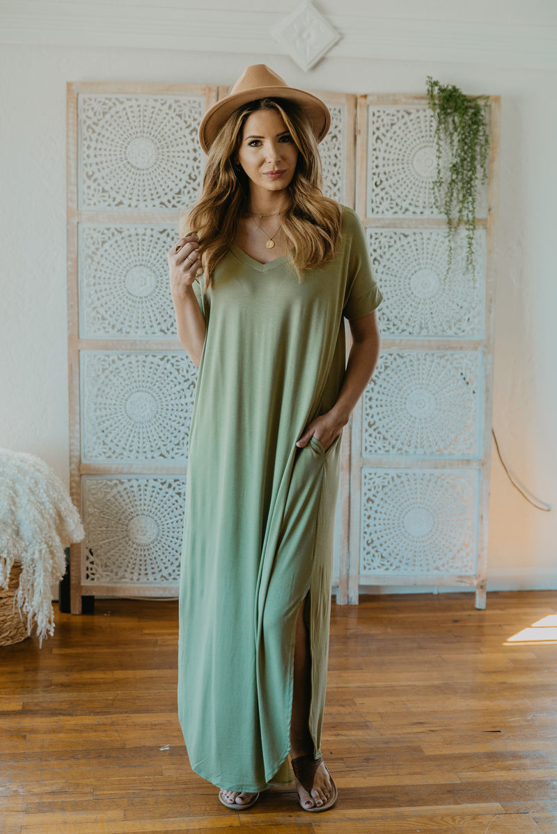 WI Basics: The Tess Solid Maxi in Sage