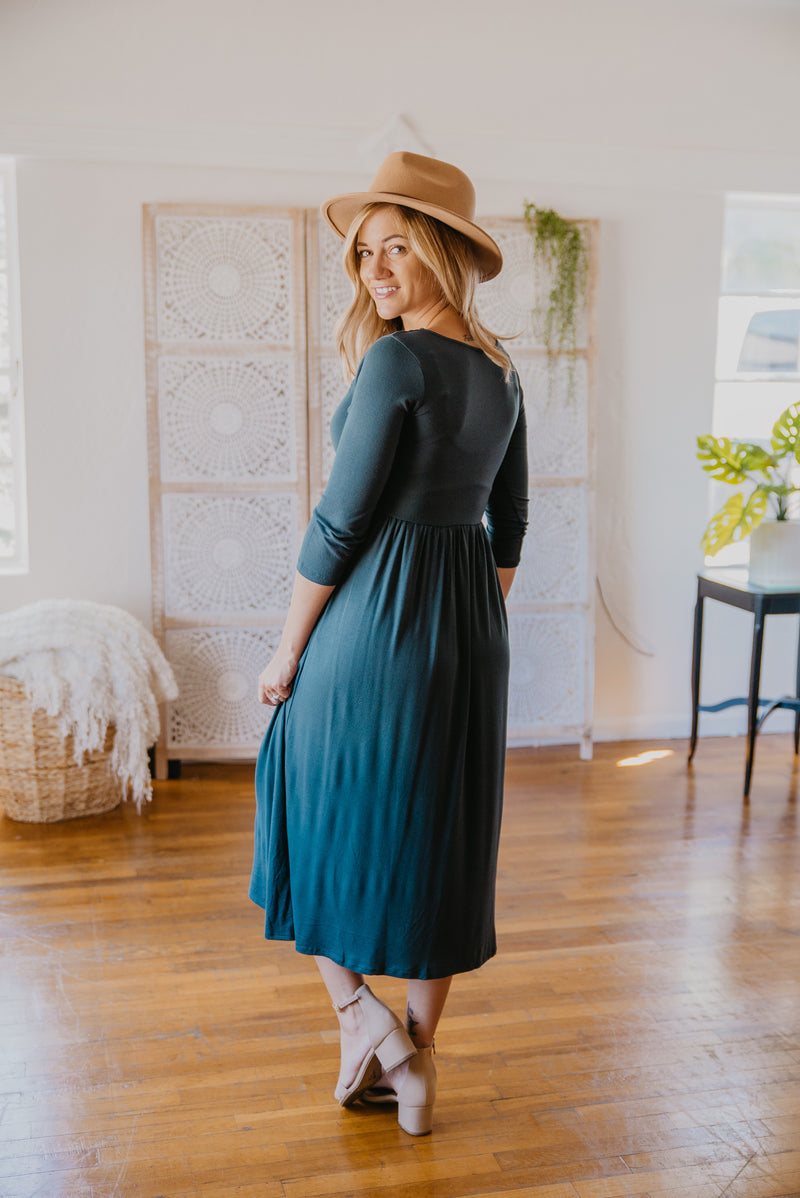 WI Basics: The June Midi in Hunter Green (Sizes S-3X)