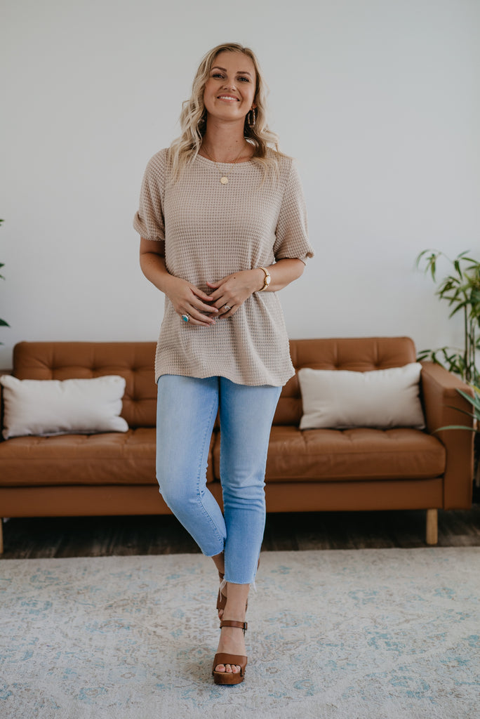 The Robyn Puff Sleeve Top in Oatmeal, half puff sleeve, women fashion, Wren & Ivory, Wren and Ivory, fashion top, waffle knit top, round neck, loose cut, lightweight stretchy fabric, casual comfort, Baby Bump Friendly, fall top