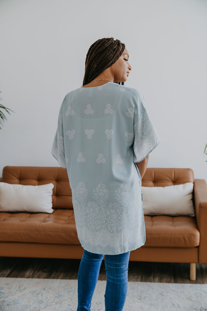 The Loewy Kimono in Iced Blue, comfortable, kimono sleeve, open, floral print, hi-low kimono, women's fashion, Wren & Ivory, Wren and Ivory, cover up, Baby Bump Friendly