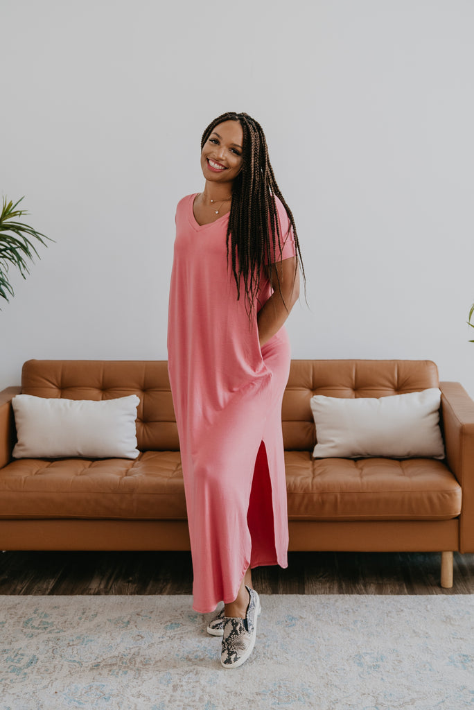 WI Basics: The Tess Solid Maxi in Rose, Wren & Ivory Basics, comfortable dress, stretchy fabric, fashion, Wren & Ivory, Wren and Ivory, short sleeves, no waist, round neckline, Baby Bump Friendly, plus sizes, pink dress, slouchy dress, side slits, long dress