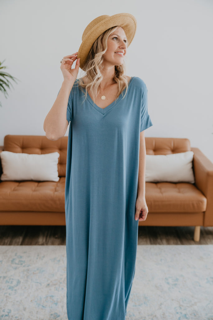 WI Basics: The Tess Solid Maxi in Dusty Blue, Wren & Ivory Basics, comfortable dress, stretchy fabric, fashion, Wren & Ivory, Wren and Ivory, short sleeves, no waist, round neckline, Baby Bump Friendly, plus sizes, blue dress, slouchy dress, side slits, long dress