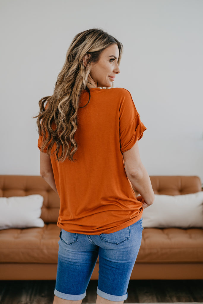 The Tireece Boyfriend Tee in Sunset, comfortable, short sleeve, V-neck, soft fabric, cute top, women's fashion, Wren & Ivory, Wren and Ivory, cuff sleeve, orange tee, made in the USA, Baby Bump Friendly